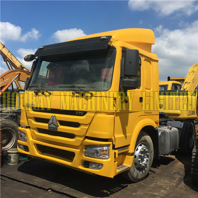 HOWO Tractor Truck Price 6x4 Used Tractor Head Truck