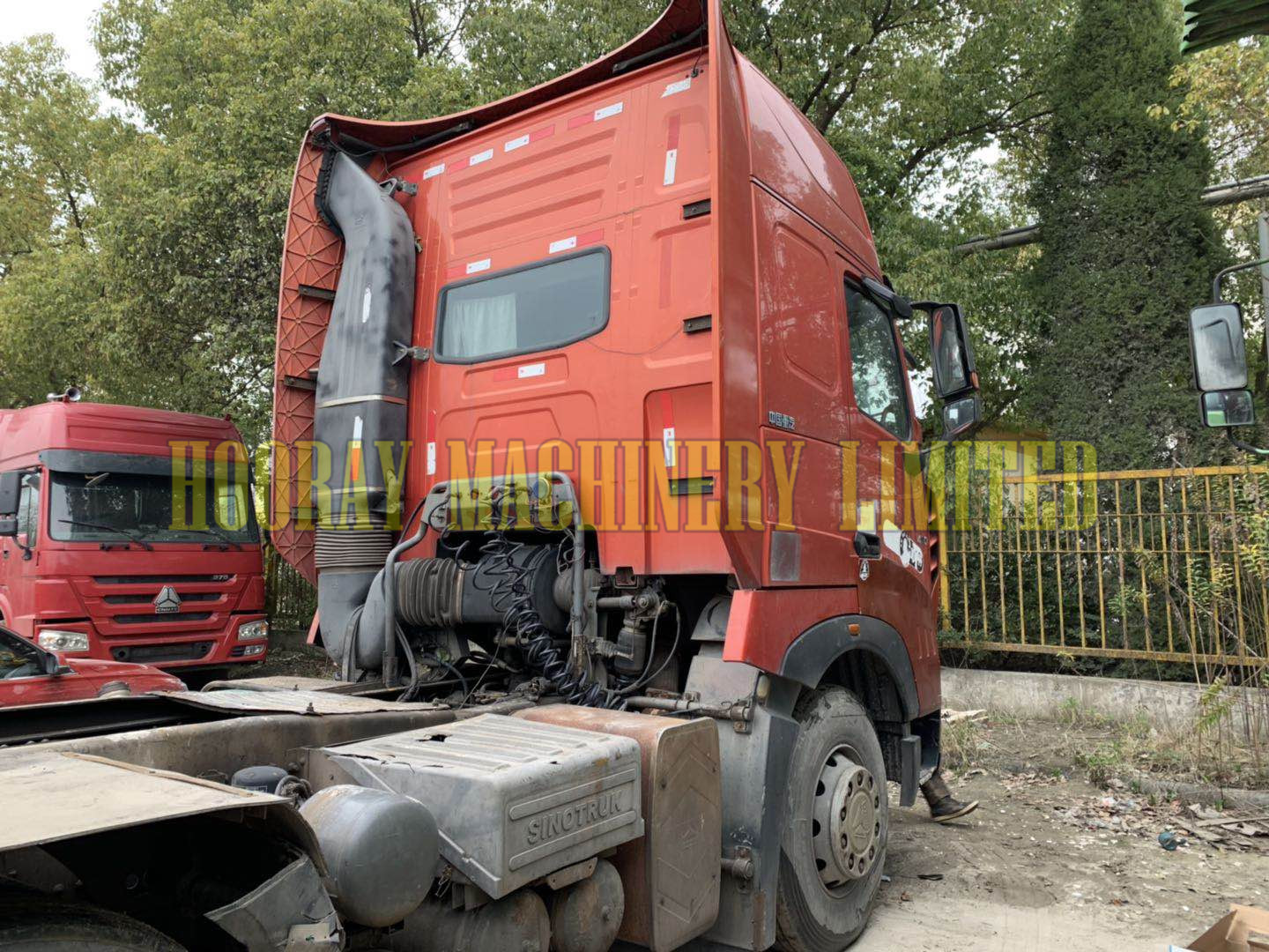 Used 420HP Sinotruk Howo A7 Tractor Truck